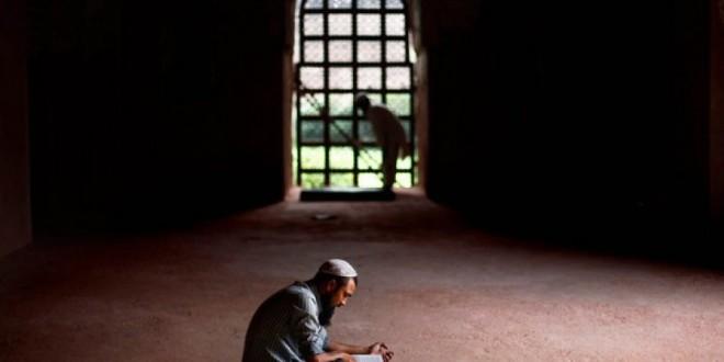 Seorang Pemuda yang Dekat Dengan Sang Kholiq