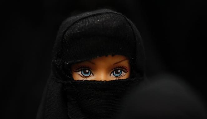 Hukum Memakai Jilbab dalam Islam !!